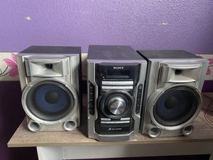 Sony stereo system with disc player for Sale in Fresno, CA