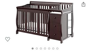 4 in 1 crib with changing table and drawer is on sale ..it comes with mattress 🎉🎉🎉 for Sale in Braintree, MA