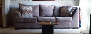 FOR SALE HH Gregg Sectional Couch purchased in 2016 for $2200 FOR SALE $500 for Sale in Columbus, OH
