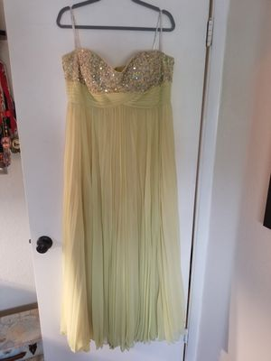 Yellow Flowy Beaded Dress for Sale in Las Vegas, NV