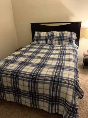 Queen Bed-set in great condition! for Sale in Tampa, FL