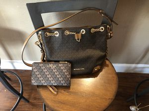 Michael Kors signature bag and wallet for Sale in Sacramento, CA