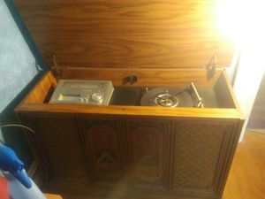 Old wooden stereo system.. for Sale in Buffalo, NY