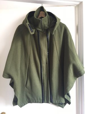 Kenneth Cole New York Coat with hoodie for Sale in New York, NY