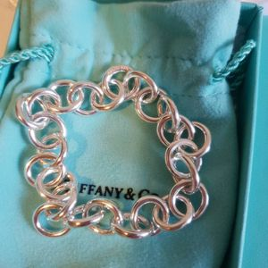 Authentic Tiffany & Co. Clasp link bracelets for Sale in Queens, NY