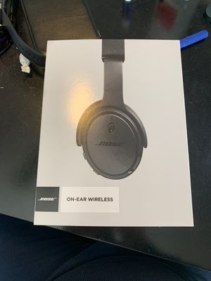 Bose on ear wireless Bluetooth headphones, brand new. for Sale in Johnstown, OH