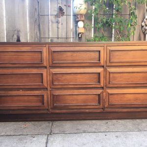 Large Dresser for Sale in Santa Cruz, CA