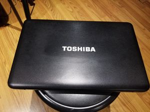 Toshiba laptop for Sale in Oak Lawn, IL