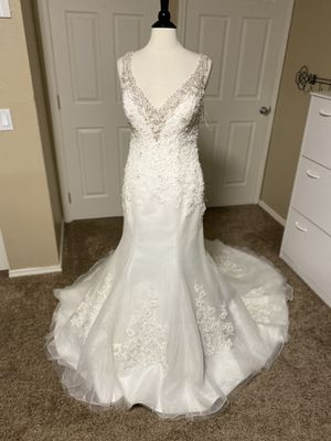 Wedding dress size 12 for Sale in Federal Way, WA