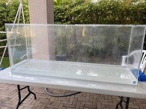 120 gallon aquarium fish tank with stand and hood for Sale in Pembroke Pines, FL