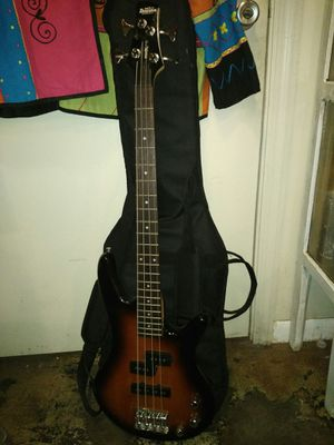 Bass guitar for Sale in Lakeland, FL