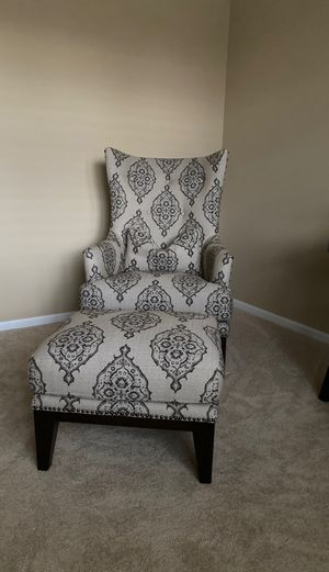 Beautiful chair with matching lumbar pillow and stool.. for Sale in Longmont, CO