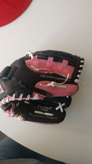 Softball glove size 10 in (for small child) for Sale in Whittier, CA