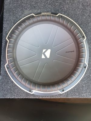 """Subwoofer kicker 15"""" q class ported box for Sale in Fresno, CA"""