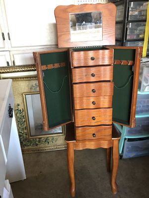 Jewelry box for Sale in Moreno Valley, CA