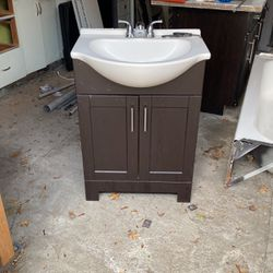 """24"""" Sink And Cabinet for Sale in Manson,  WA"""