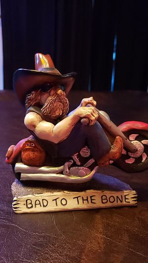 Cowboy on A Harley Statue, 2000 W.L. Vernon. completed 2000. Registration #342. Bad to the Bone Statue. measures 11 in high. 6 in wide, and 5 in dept for Sale in Kent, WA
