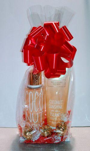 New Gift Victoria Secret Coconut Sunshine 2pc Set for Sale in Rialto, CA