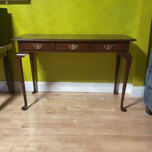 45X20 in desk for Sale in Chelsea, MA