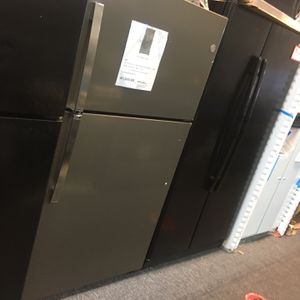 "New Scratch&dent GE Top Freezer 33"" 6 months Warranty for Sale in Laurel, MD"