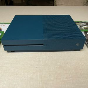 XBOX ONE S 500Gb With 4 Games for Sale in Daytona Beach, FL