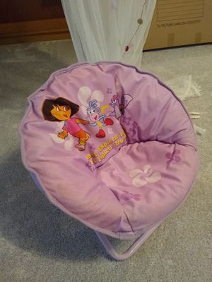 Dora kid studio chair for Sale in Atlanta, GA