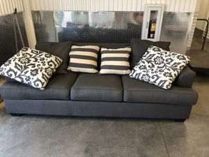 MUST GO Ashley furniture couch 🛋 🚨 SUNKEN LEFT CORNER for Sale in Atlanta, GA