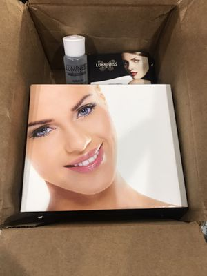 LUMINESS AIR BRUSH SYSTEM (regular / special fx makeup) NEW IN BOX for Sale in Hialeah, FL