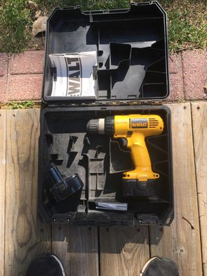 D Walt drill it works good needs charger for Sale in Fort Wayne, IN