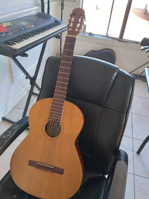 Beautiful Acoustic Guitar for Sale in Pico Rivera, CA