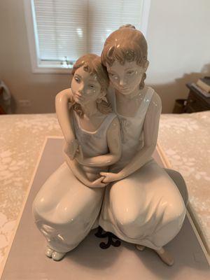 Lladro figurine for Sale in Glenview, IL