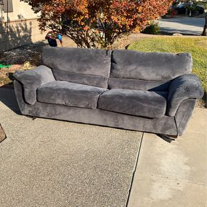 Free Couch !!! for Sale in Tulare, CA