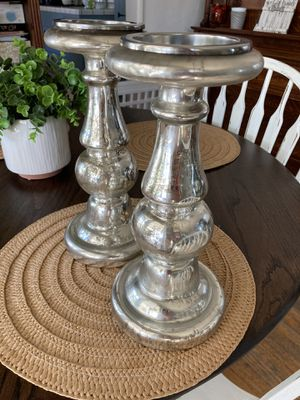 home decor -candle placement for Sale in Los Angeles, CA