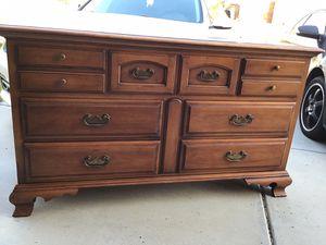 DREXEL dresser for Sale in Murrieta, CA