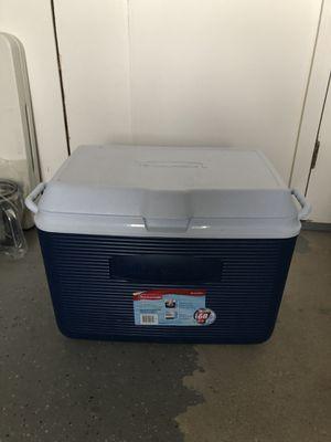 Rubbermaid cooler for Sale in Buffalo Grove, IL