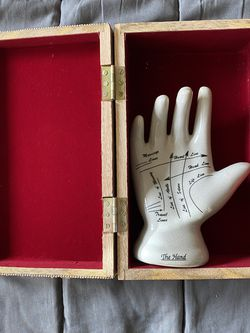 The Hand In Red Velvet Liner Wooden Box for Sale in Burien,  WA
