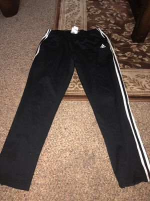 Adidas Pants size: Medium for Sale in Kent, WA