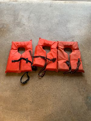 Adult life preservers for Sale in Morris, IL