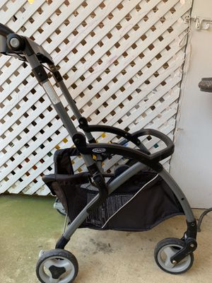 Baby Trolley and car seat : Graco for Sale in Arlington, VA