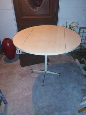 Vintage adjustable kitchen table for Sale in Largo, FL