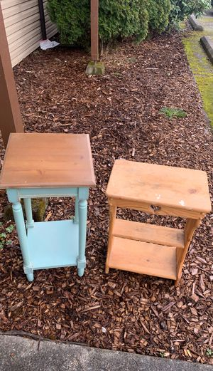 Little bed side table for Sale in Everett, WA