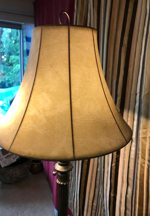 Table and floors lamps for Sale in Des Moines, WA
