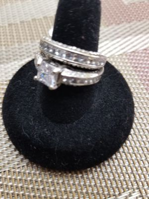 Set rings autentic Sterling silver Simulated Diamond size 8 and 9 for Sale in Nashville, TN