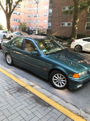 BMW 1998 3 series 328i *LOW MILEAGE* for Sale in Chicago, IL