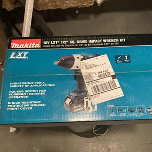 """Milwaukee 18v Let 1/2"""" SQ. Drive Impact Wrench Kit for Sale in Lombard, IL"""