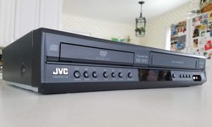 JVC HR-XVC18BU Progressive Scan DVD/VCR Video Cassette Recorder VHS Combo Player for Sale in Worthington, OH