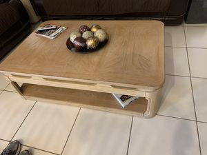 Coffee table with lift and matching side for Sale in Miami, FL