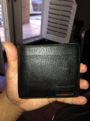 Gucci Leather bi-fold wallet with web (Authentic) for Sale in Irvine, CA