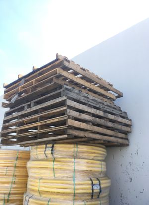 Wood pallets free for Sale in Anaheim, CA
