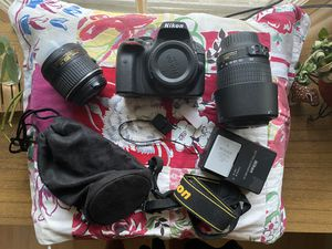 Nikon D3300 (2 Lenses) for Sale in Los Angeles, CA